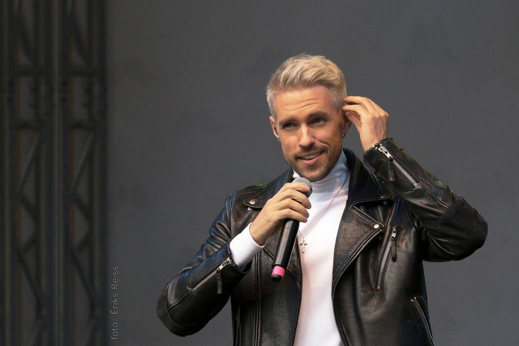 Music: Markus Riva Debuts New Album 'Laika Upe'